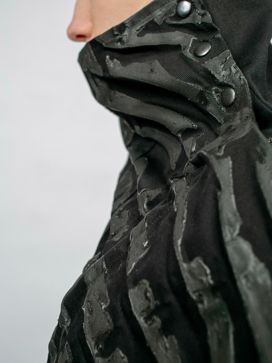Плащ-фрак - Чёрная лава